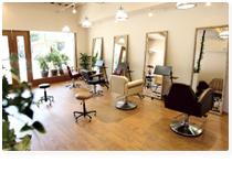 デザイン・髪質の美を追求するオーガニックサロン AKALA HAIR(アカラヘアー)